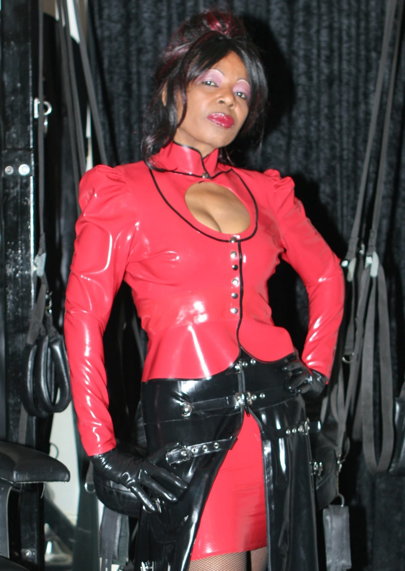 London BDSM dominatrix mistress Queen Ebowe ebony black London dominatrix 10